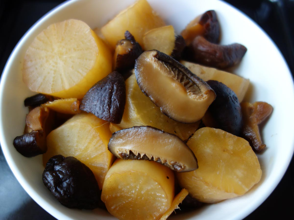 Braised daikon and mushrooms